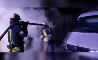 На Днепропетровщине загорелся микроавтобус - ФОТО