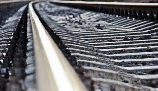 В Каменском молодой мужчина попал под поезд - ФОТО