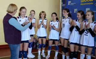 Каменчанки приняли участие в волейбольном турнире в Мелитополе - ФОТО