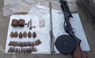 На Днепропетровщине мужчина хранил арсенал оружия и боеприпасов - ФОТО