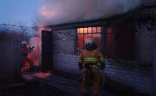 На Днепропетровщине загорелся жилой дом - ФОТО