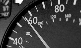 На выезде из Каменского ограничат скорость движения - ФОТО