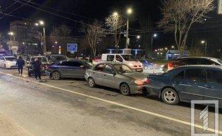 На Днепропетровщине перед светофором столкнулись пять автомобилей - ФОТО