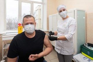 Мэр Днепра привился от коронавируса - ФОТО