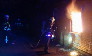 На Днепропетровщине горел частный дом, пострадал хозяин - ФОТО