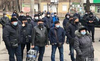 На Днепропетровщине митингуют рабочие крупного металлургического предприятия - ФОТО