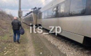 На Днепропетровщине сошел с рельсов поезд - ФОТО