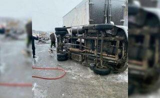 """Под Днепром произошло смертельное ДТП: труп мужчины """"вырезали"""" из авто (фото) - ФОТО"""