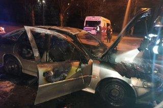 На Днепропетровщине на временной стоянке загорелся Opel (фото) - ФОТО