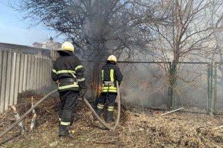 На Днепропетровщине загорелась хозпостройка (фото) - ФОТО