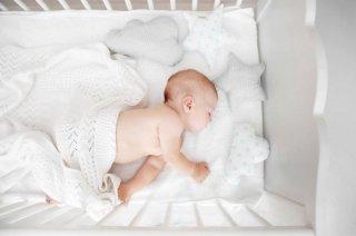 На Днепропетровщине младенец выпал из кроватки и получил сотрясение мозга - ФОТО