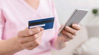 На Днепропетровщине воруют деньги с банковских карточек - ФОТО