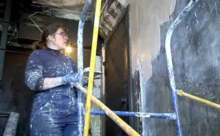 В Каменском восстанавливают дом после пожара - ФОТО