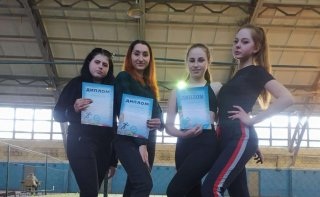Легкоатлеты Каменского колледжа физвоспитания на чемпионате области завоевали 13 медалей - ФОТО