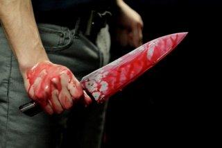 На Днепропетровщине мужчина всадил знакомому нож в спину - ФОТО