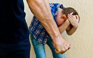 Под Днепром мужчина побил 9-летнего мальчика - ФОТО