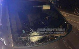 В Днепре женщина за рулем Mercedes-Benz сбила пешехода - ФОТО