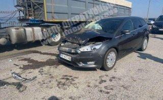 В Днепре Ford протаранил Nissan: есть пострадавшие - ФОТО