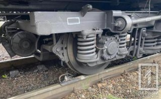 На Днепропетровщине поезд сбил мужчину - ФОТО