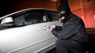 На Днепропетровщине из гаража угнали автомобиль - ФОТО