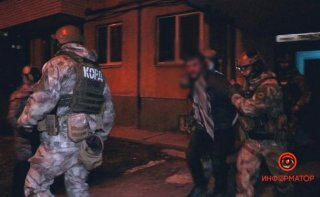 В Днепре мужчина открыл стрельбу из окна квартиры (фото, видео) - ФОТО