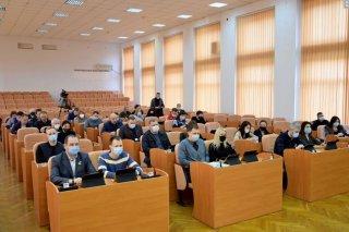 У Кам'янському відбулася позачергова сесія міської ради - ФОТО