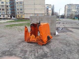 На левобережье Каменского жгли мусорные баки - ФОТО