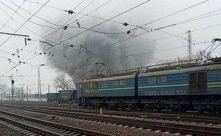 На Днепропетровщине загорелись пассажирские вагоны (видео) - ФОТО