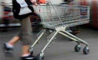 В Днепре мужчин украл тележку из АТБ - ФОТО