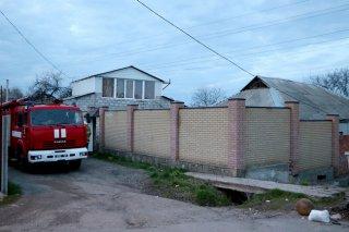В Днепре загорелся дом: есть пострадавшие (видео) - ФОТО