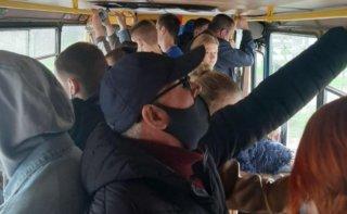 В Днепре могут ввести проезд в транспорте по спецпропускам - ФОТО