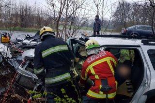 Смертельная авария под Днепром: пятеро пострадавших, один человек погиб (фото, видео) - ФОТО