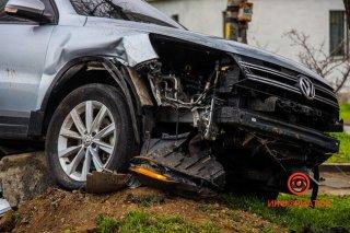 В Днепре столкнулись Daewoo и Volkswagen: есть пострадавшие (фото) - ФОТО