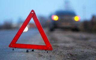 В Днепре на Передовой автомобиль сбил мужчину - ФОТО