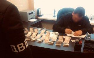 На Днепропетровщине мужчина пытался подкупить полицейского - ФОТО