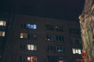 В Днепре 20-летний парень выпал из окна 9 этажа - ФОТО