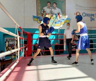 У Кам'янському пройшов відкритий турнір з боксу, присвячений воїнам АТО - ФОТО