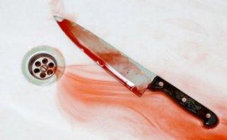 На Днепропетровщине мужчина вонзил нож себе в грудь - ФОТО