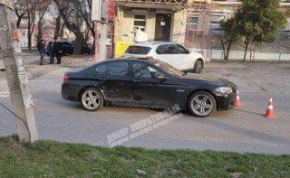 В Днепре столкнулись BMW и Chevrolet: есть пострадавшие (видео) - ФОТО
