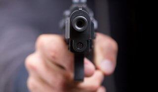 На Днепропетровщине в ходе ссоры мужчина выстрелил в сожительницу - ФОТО
