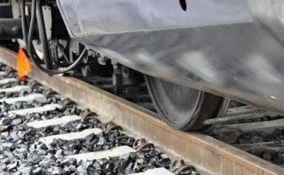 Возле Каменского поезд сбил пешехода - ФОТО