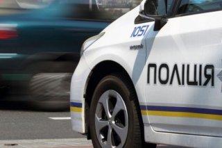 На Днепропетровщине электричка столкнулась с полицейским автомобилем (видео) - ФОТО