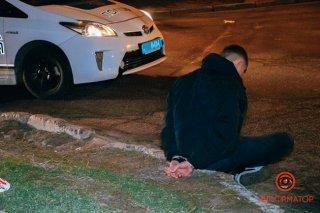 В Днепре пьяный водитель Fiat скрывался от погони и врезался в ограждение (фото, видео) - ФОТО
