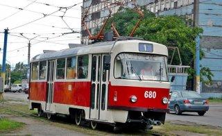 Завтра в Каменском временно остановится трамвай № 1 - ФОТО