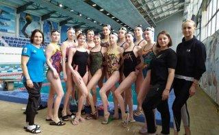 В Каменском проходит подготовку юниорская сборная Украины по синхронному плаванию - ФОТО
